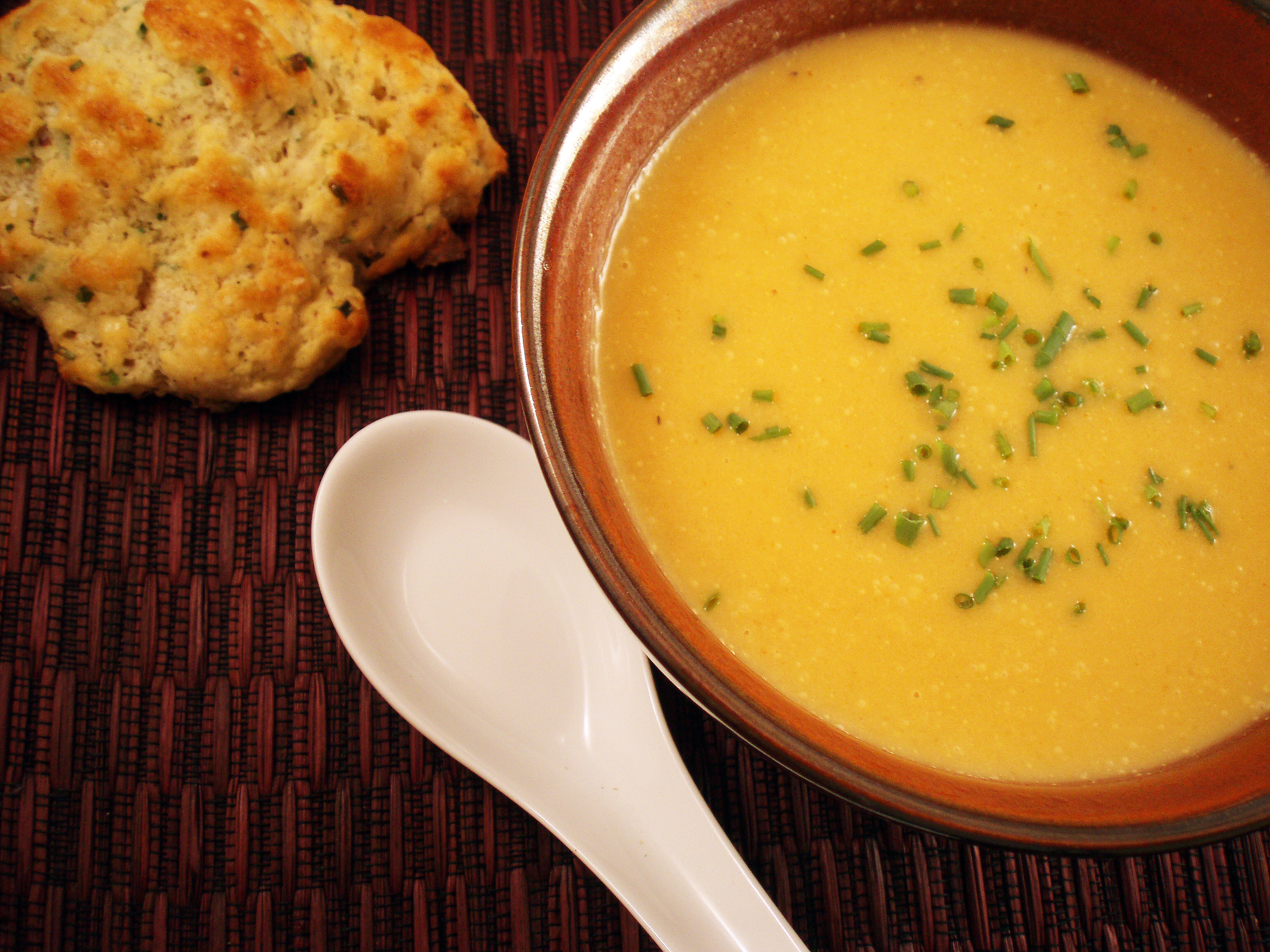 hawaiian and soup and biscuits 041