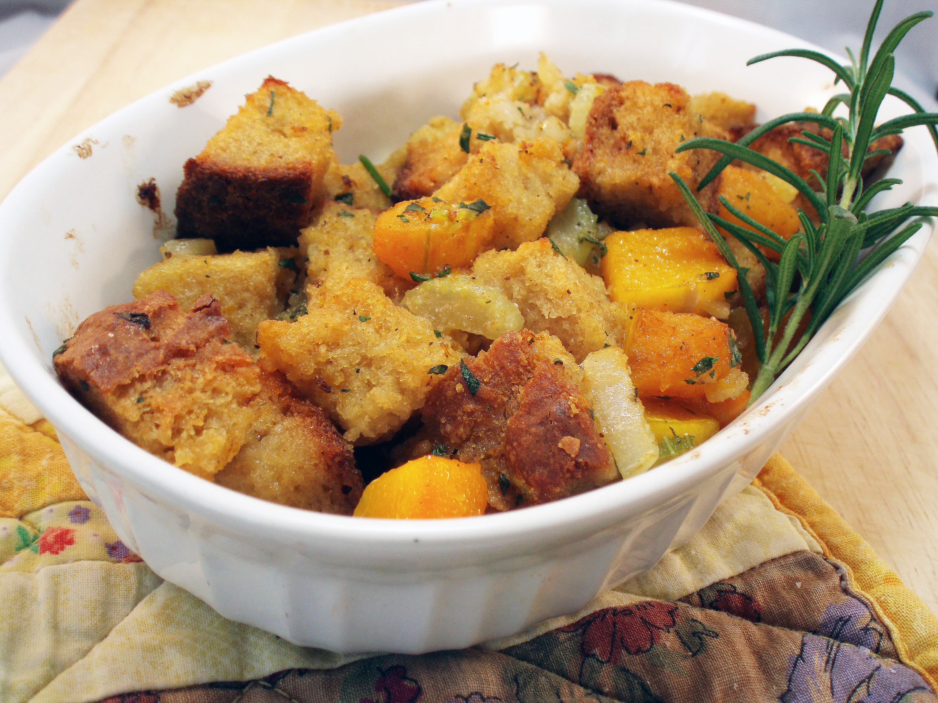 Gluten-Free Stuffing, adapted from The Pioneer Woman and The Gluten ...