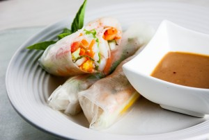 Vietnamese Shrimp Summer Rolls with Peanut Dipping Sauce